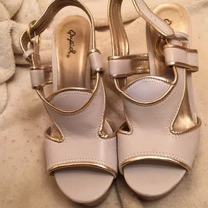 Size 71/2 white and gold sandals by Qupid